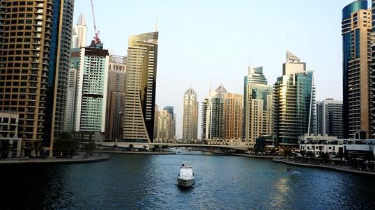 Jak poruszać się po Dubaju?